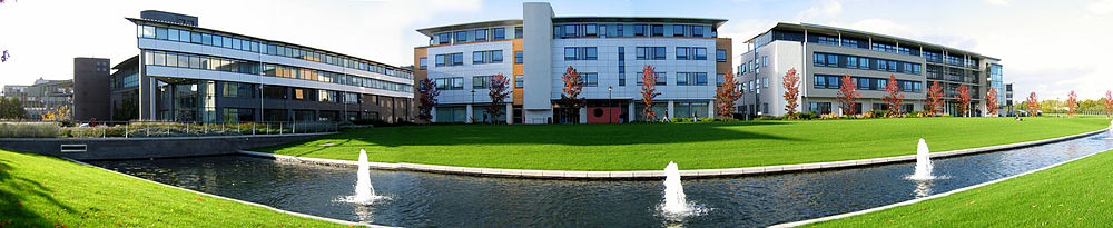 Warwick university buildings panoramic - Manufacturing and CS and Maths.jpg