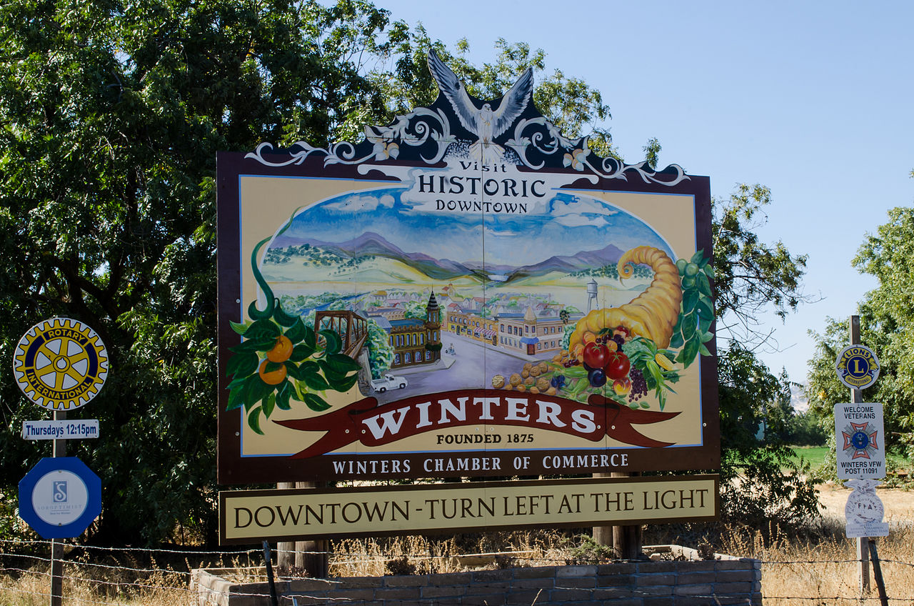1280px-Welcome_To_Winters_Sign_on_the_East_side_of_town