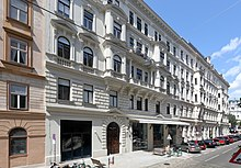 Das Haus Berggasse 19 in Wien - hier lebte Freud mit seiner Familie 47 Jahre lang von 1891 bis zur Emigration nach London 1938 (Quelle: Wikimedia)