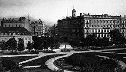 Wilhelmplatz [Public domain], via Wikimedia Commons