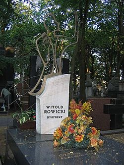 Witold Rowicki monument.JPG