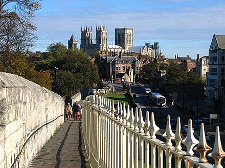 The Minster as seen from the Station Road walls York City Walls - geograph.org.uk - 589000.jpg