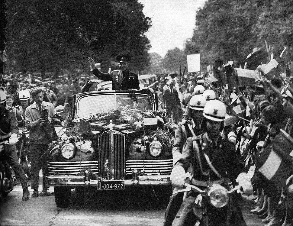 Yuri Gagarin welcome Warsaw 1961