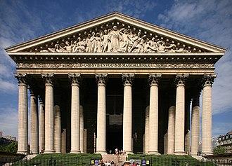Pediment - Image: Église de la Madeleine