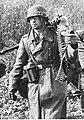 Żołnierz piechoty niemieckiej w marszu na froncie wschodnim (2-981).jpg