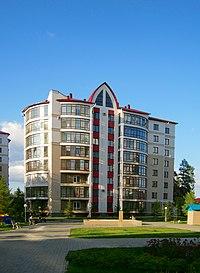 Барнаул, Змеиногорский тракт, жилой дом - panoramio.jpg