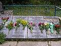 Братская могила, списки погибший (правая сторона).jpg