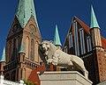 Вид на Шверинский собор с рыночной площади.jpg