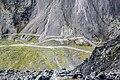 Вид с плато Кукисвумчорр на седловину перевала.jpg
