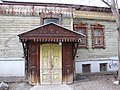 Дом Лебедева (Екатеринбург Сакко и Ванцетти 25) вход со двора.JPG