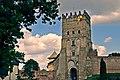 """Замок Любарта. В""""їзна вежа. Вид зовні.jpg"""