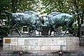 "Скульптура ""Борющиеся зубры"",Калининград.jpg"