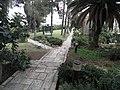 היברו-יוניון קולג מעברים בגינה.jpg