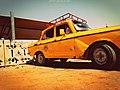 تاكسي اصفر قديم.jpg