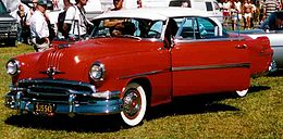 Una Pontiac Star Chief del 1954