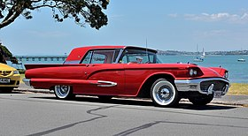 1959 Ford Thunderbird (16283045745) (cropped).jpg