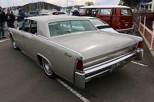 lincoln continental sedan rear