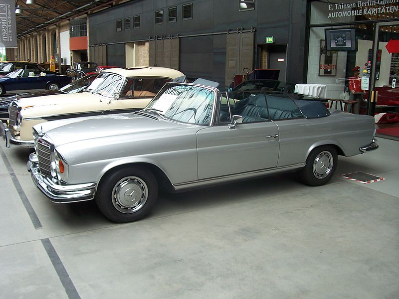 file 1972 mercedes benz 280 se 3 5 cabrio 1 berlin 2009. Black Bedroom Furniture Sets. Home Design Ideas