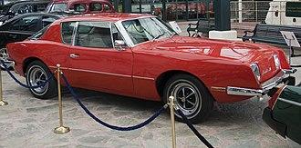 Avanti (car) - 1976 Avanti II