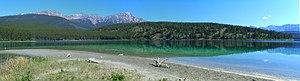 Patricia Lake (Alberta) - Image: 1 panorama lake patricia 2006 alberta