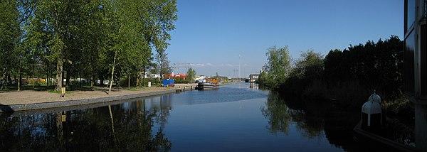 600px-20090421_Oude_Winschoterdiep_Groningen_NL.jpg