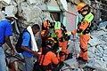 2010년 중앙119구조단 아이티 지진 국제출동100118 중앙은행 수색재개 및 기숙사 수색활동 (221).jpg