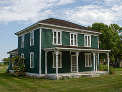 The Sabin S. Murdock House is on the National Register of Historic Places.