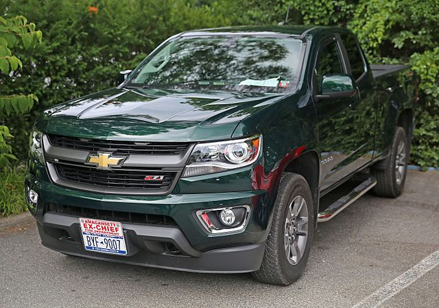 English: A 2015 Chevrolet Colorado Z71 Extended Cab 4WD. 3.6-liter ...