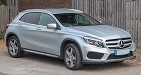 2015 Mercedes-Benz GLA 200 AMG Line CDi 4MATIC 2.1 Front.jpg
