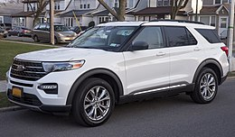 2020 Ford Explorer XLT in Oxford White, front left.jpg