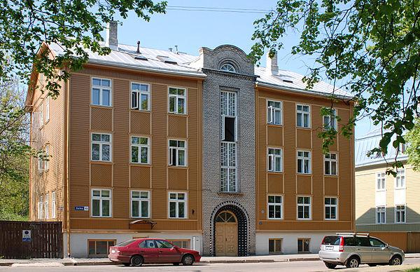 Korterelamu Tallinnas Salme 15, arhitekt Karl Tarvas, valmis 1932. Pildistatud 2010.