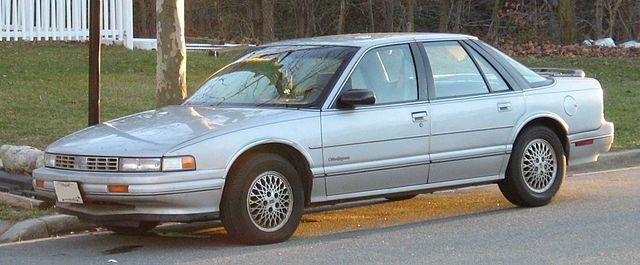 640px-88-91_Oldsmobile_Cutlass_Supreme_f