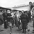 Aankomst vluchtelingen uit de Congo te Brussel, moeder met kind, Bestanddeelnr 911-4131.jpg