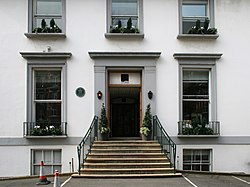 The front stairs and door of Abbey Road Studios