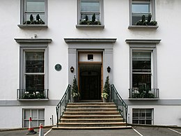 http://upload.wikimedia.org/wikipedia/commons/thumb/3/3e/Abbey_Rd_Studios.jpg/260px-Abbey_Rd_Studios.jpg