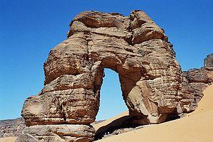 Tadrart Acacus - Rock arch in Tadrart Acacus