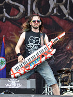 Alestorm, Christopher Bowes at Wacken Open Air 2013.jpg