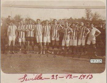 Alineaci%C3%B3n del Real Betis Balompie%2C 1913.