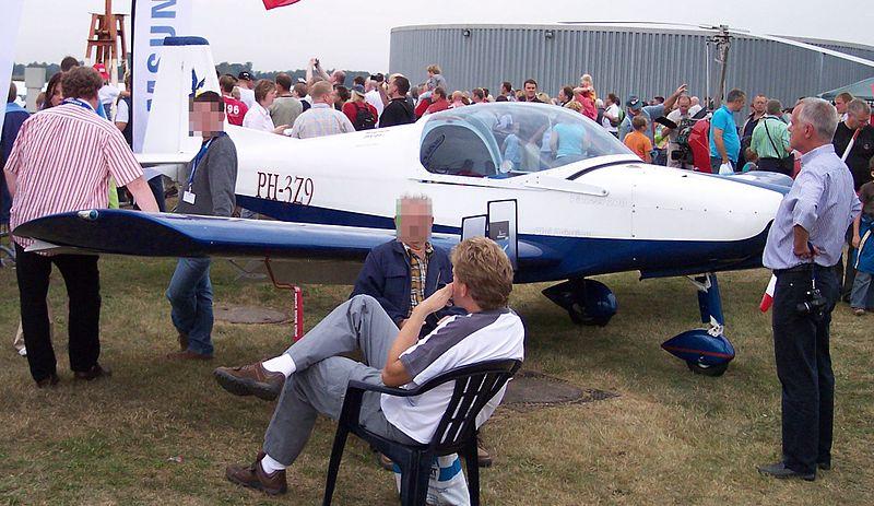 File:Alpi Pioneer 200 PH-3Z9 vr.jpg