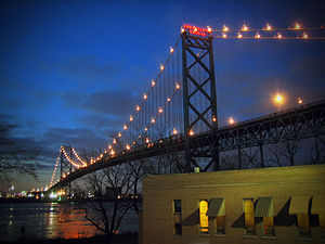 English: The Ambassador Bridge is a suspension...