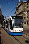 Amsterdam, přijíždějící tramvaj II.jpg