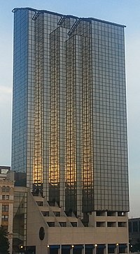 Amway-grand-from-grand-river (cropped).jpg