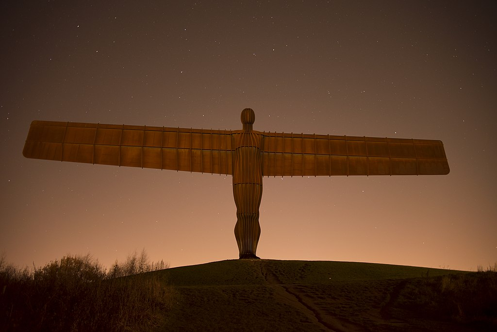 Angel of the North at night, long exposure