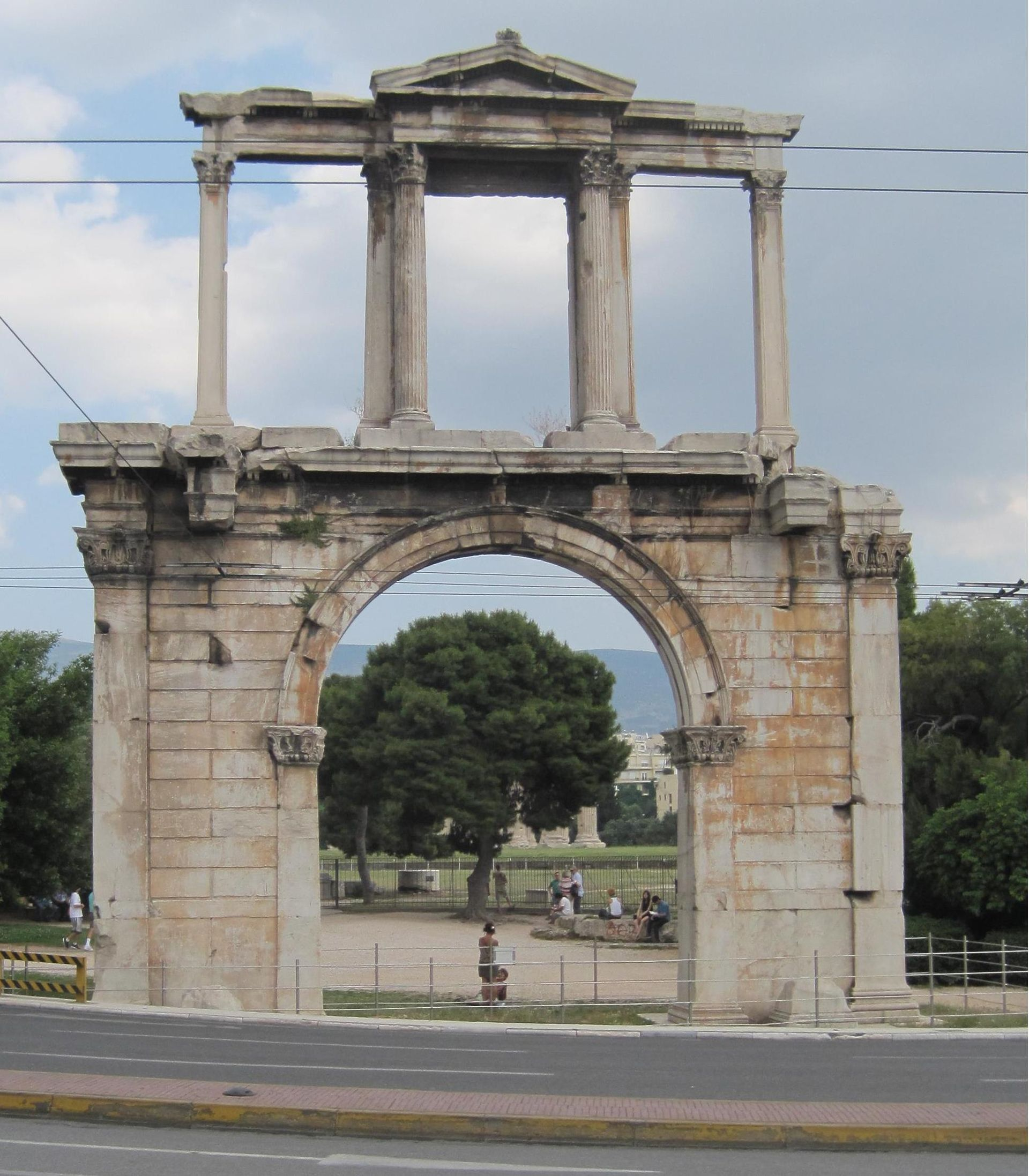 Arch of Hadrian (Athens) - Wikipedia