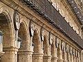 Arcos, farolas, conquistadores y balcones (2933671003).jpg