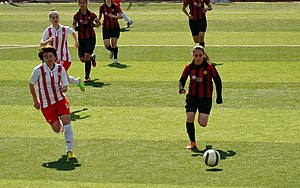 Eskişehirspor (women) - Eskişehirspor attacking Ataşehir Belediyespor in the away match of the 2014–15 season.