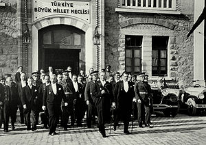 Çankaya, Ankara (district) - President Atatürk and his colleagues leaving the building of the Grand National Assembly of Turkey (1930).