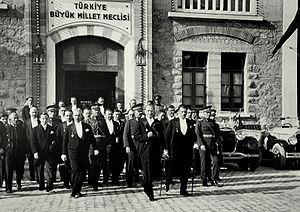 Mustafa Kemal Atatürk in front of the Turkish ...