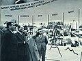 Atatürk sanayideki gelişimi denetlerken.jpg