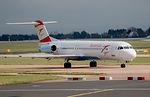Austrian Airlines Fokker F100 OE-LVO (25726802845).jpg